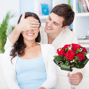 man-surprises-wife-with-roses